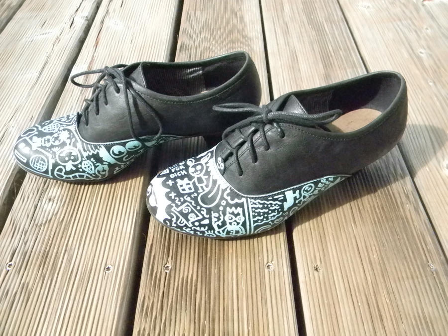 awesome black painted shoes by zuckerfrei awesome black painted