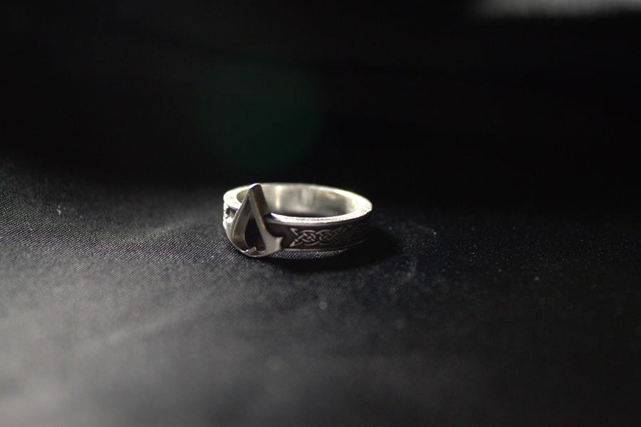 Assassins Creed Symbol Ring By Quilviirina On Deviantart