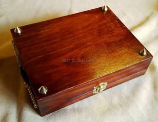 Tarot box with tiger eye stones - legs