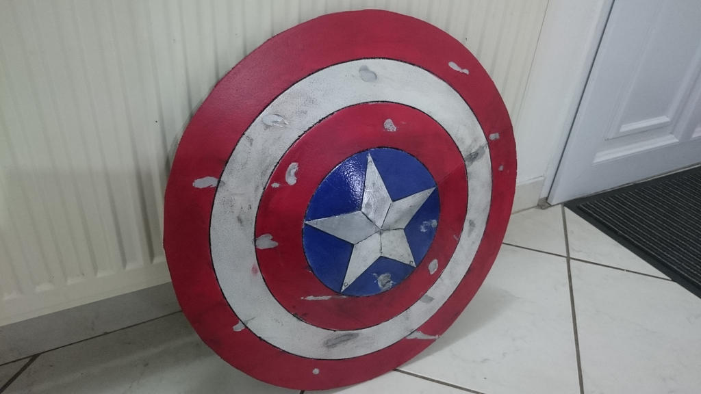 battle damaged Captain America Shield (foam) by nemo13400