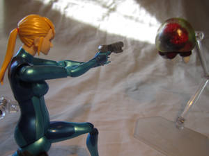 Zero Suit Samus Figma - A Metroid's Coming At Ya!