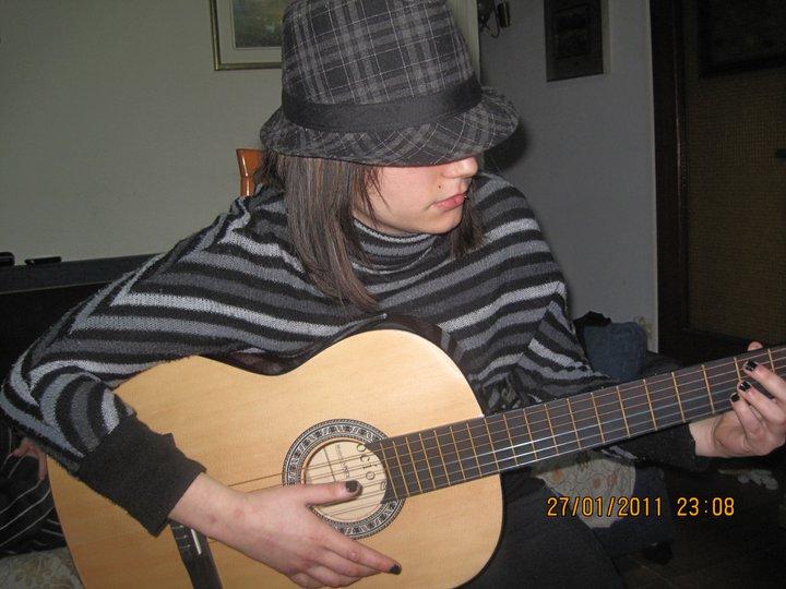 EneryVSMika's Profile Picture