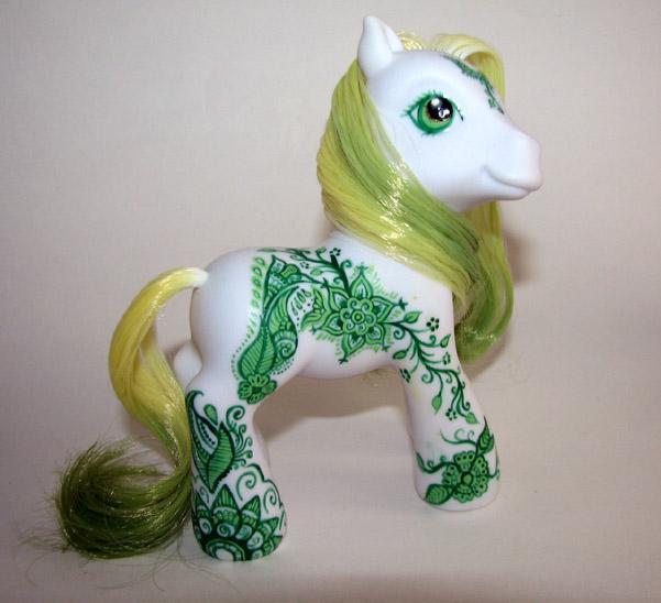 Green Henna Pony by trillions