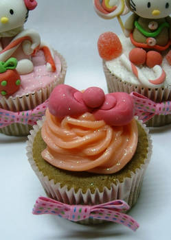 hello kitty - cupcakes