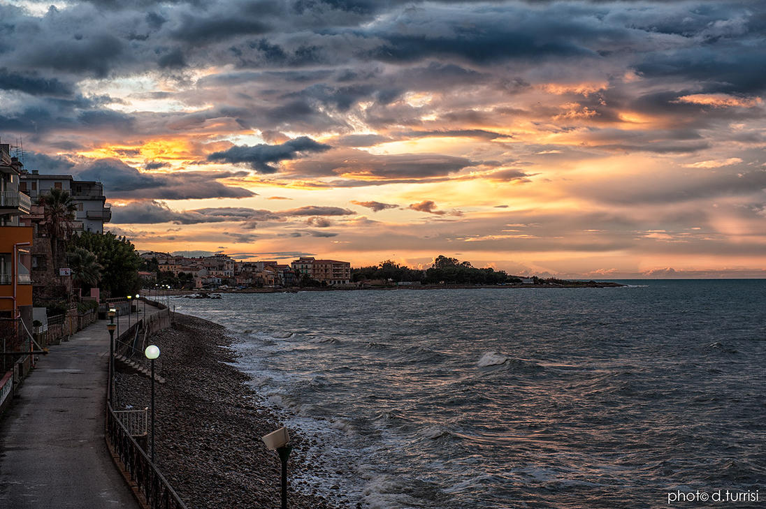 Winter sunset in Caronia by rebelblues