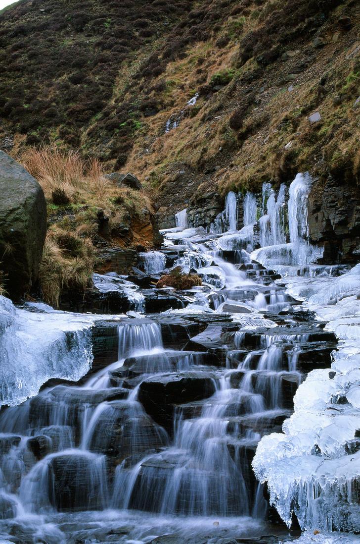 Icy Falls 1 by Sammydemon