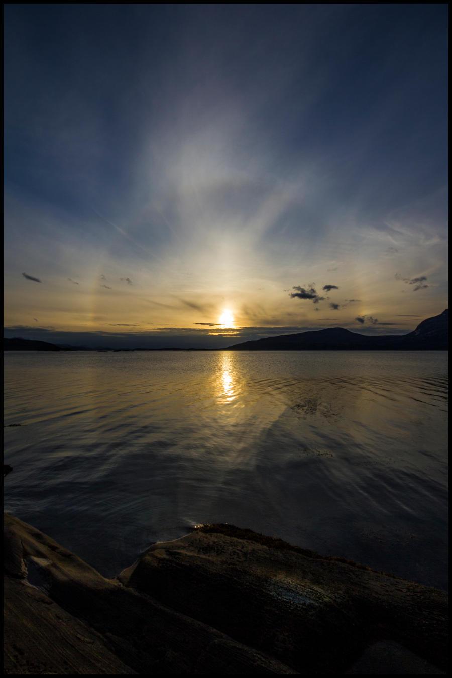 Sunset Halo by kongdaniel