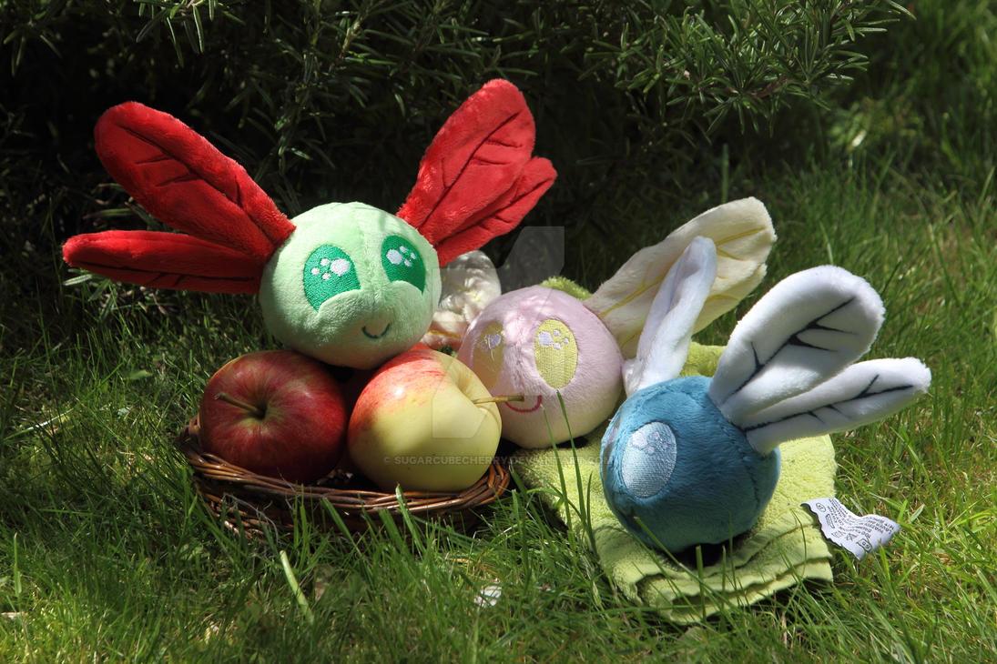 Nooo, not them apples! Shoo, shoo, parasprites! by SugarcubeCherry