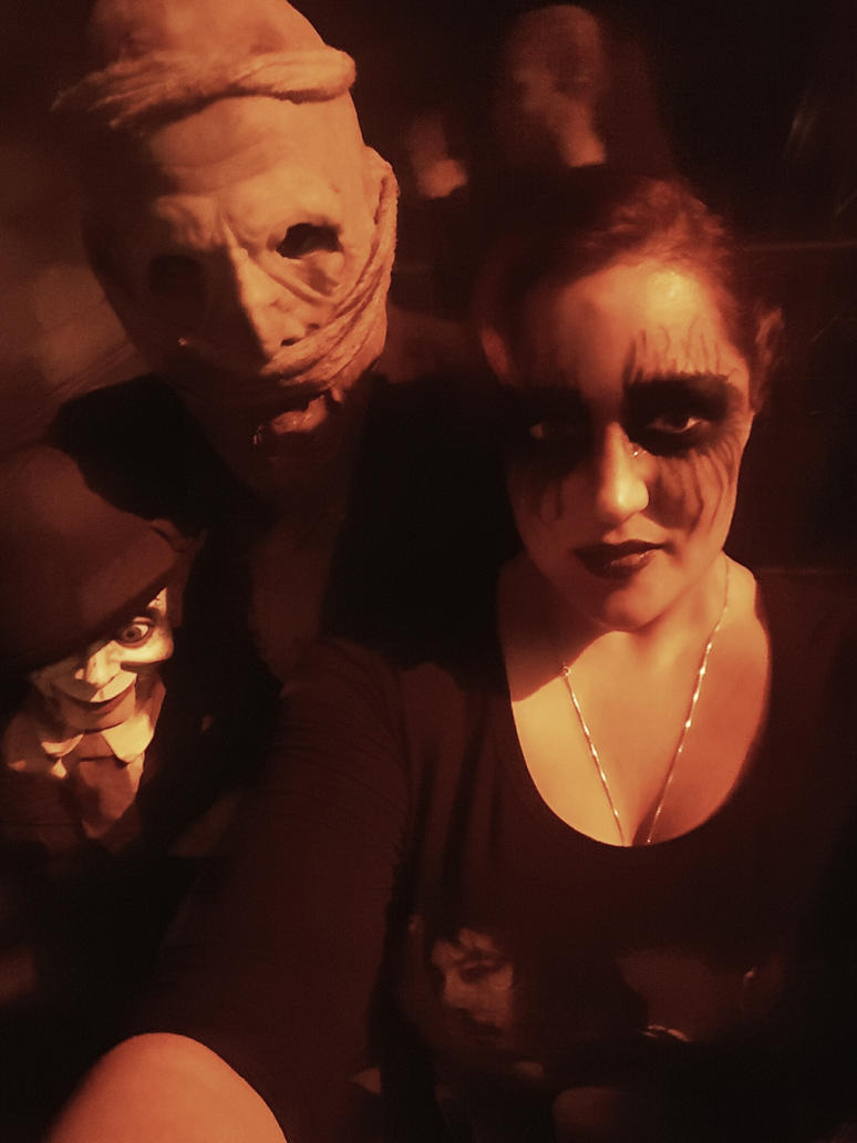 Halloween 16 - 3 by chickiedee