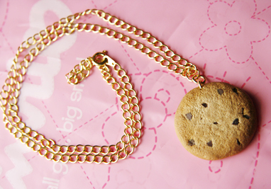 Chocolate Chip Cookie Necklace by TangerineTaiyaki