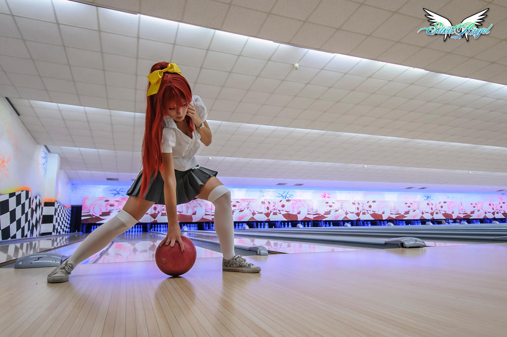 Yoko bowling by MiciaGlo