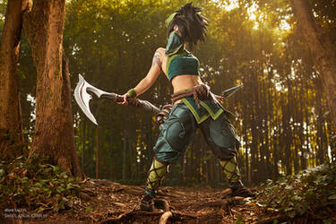 Akali default League of Legends cosplay