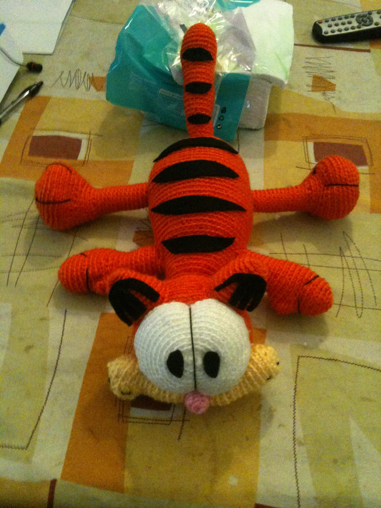 Amigurumi Free Patterns Garfield : Amigurumi: Garfield by Xannyev on DeviantArt