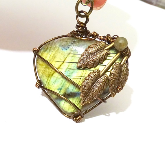 Collier Labradorite feuilles Pendant labradorite by Magic-Jewels