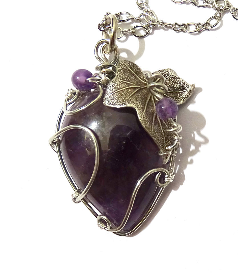 Collier Pierre Amethyste Feuille Violet Argent by Magic-Jewels