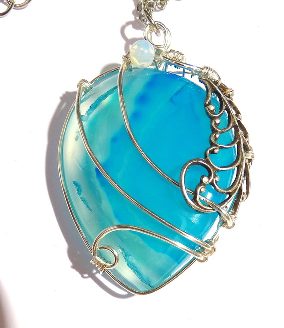 Collier Agate Bleue et Plume by Magic-Jewels