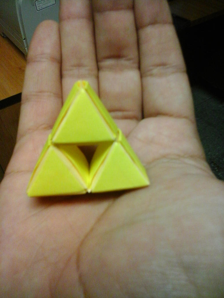 Small Tri-Force by iDoux