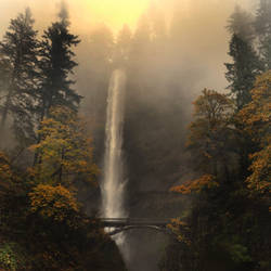Multnomah Falls, Oregon by xsiorcanna