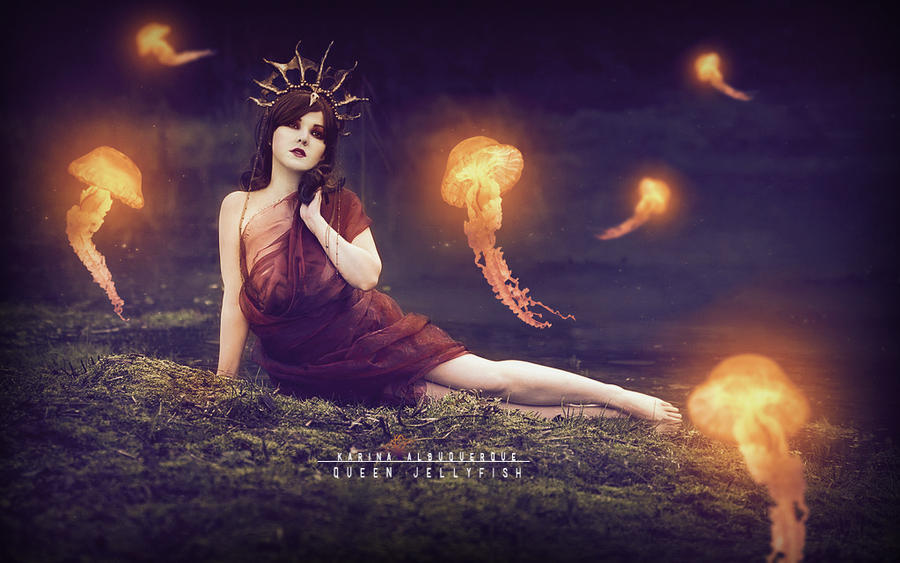 Queen jellyfish by KarinaAlbuquerque