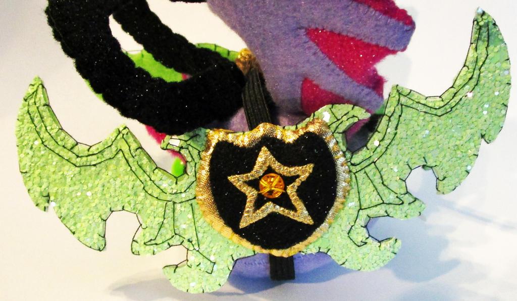 Illidan Stormrage Glitter Warglaives by callykarishokka