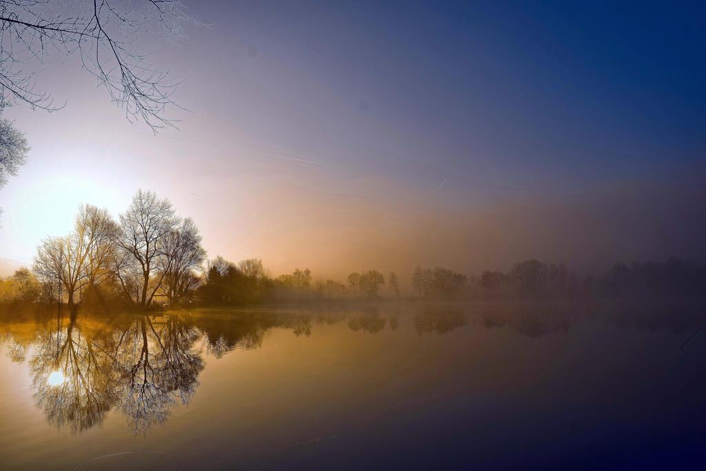 Morning Lights by DavidMnr