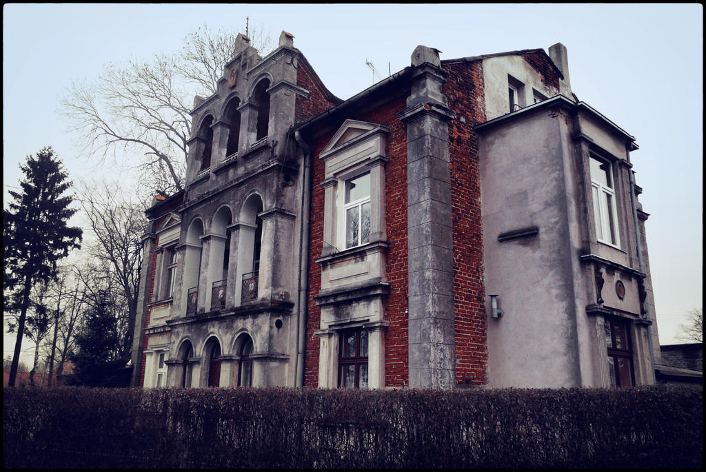 Old House In Suburbs Lodz By Mateusz78 On Deviantart
