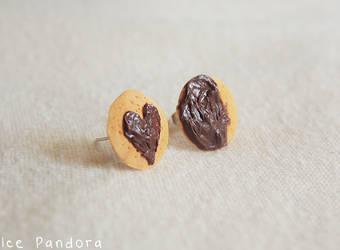 Chocolate heart and halfmoon cookies ear stud by Ice-Pandora