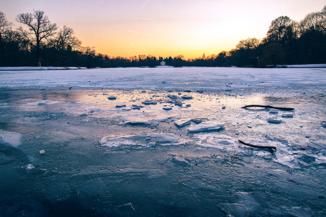 Frozen Lake by Roman89