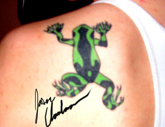 shoulder tattoo. Tree Frog Tat