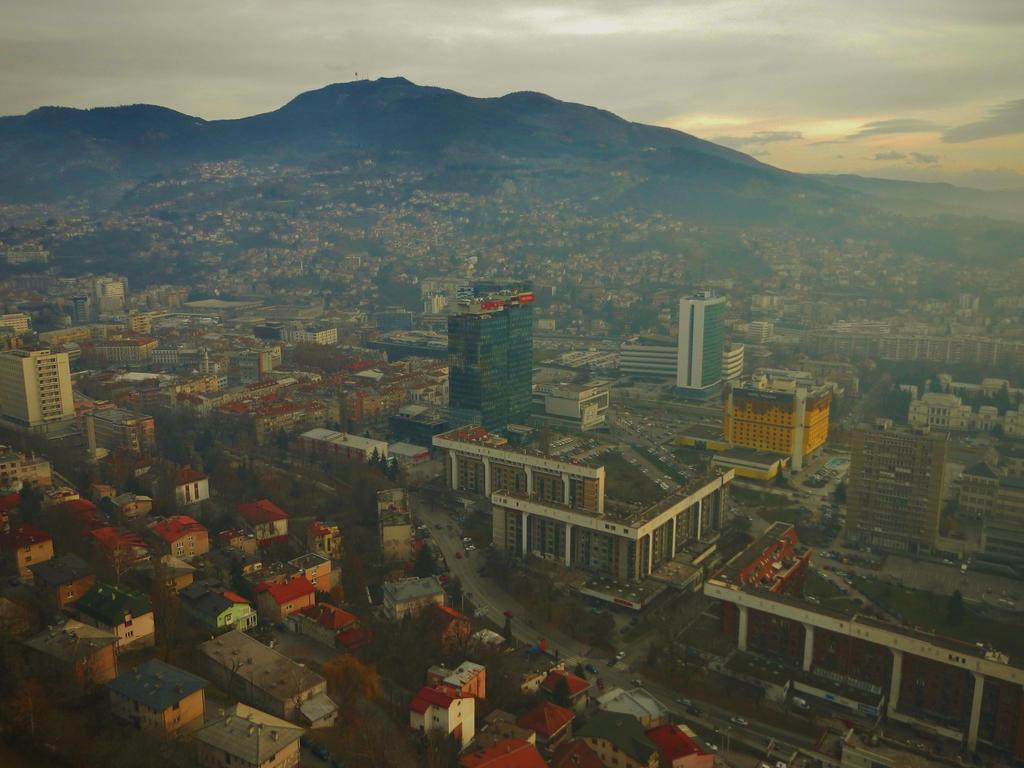 Sarajevo Downtown, Nov-17 by bernardojr