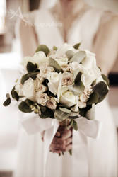 brides bouquet by Avaloniteaa