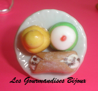 FIMO ITALIAN PASTRIES RING by GourmandisesBijoux