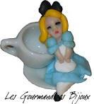 FIMO ALICE IN WONDERLAND RING by GourmandisesBijoux