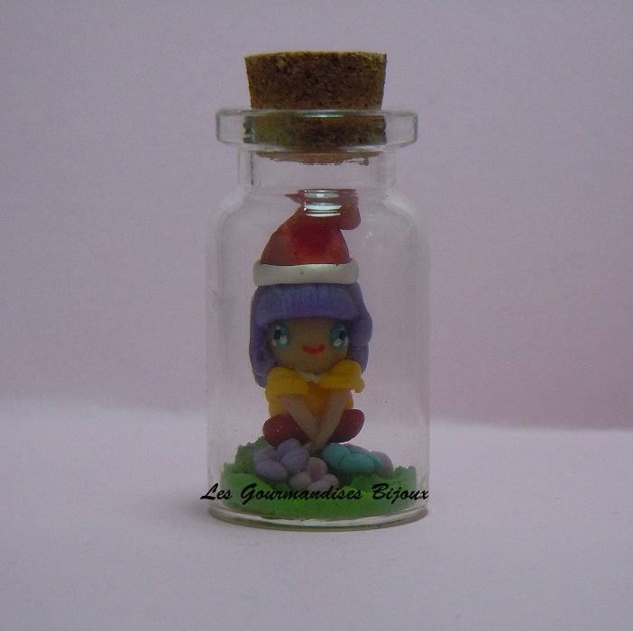 FIMO MEMOLE CARTOON IN A BOTTLE by GourmandisesBijoux