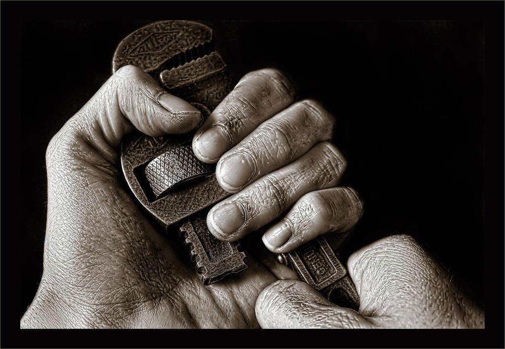 Get A Grip by joelht74