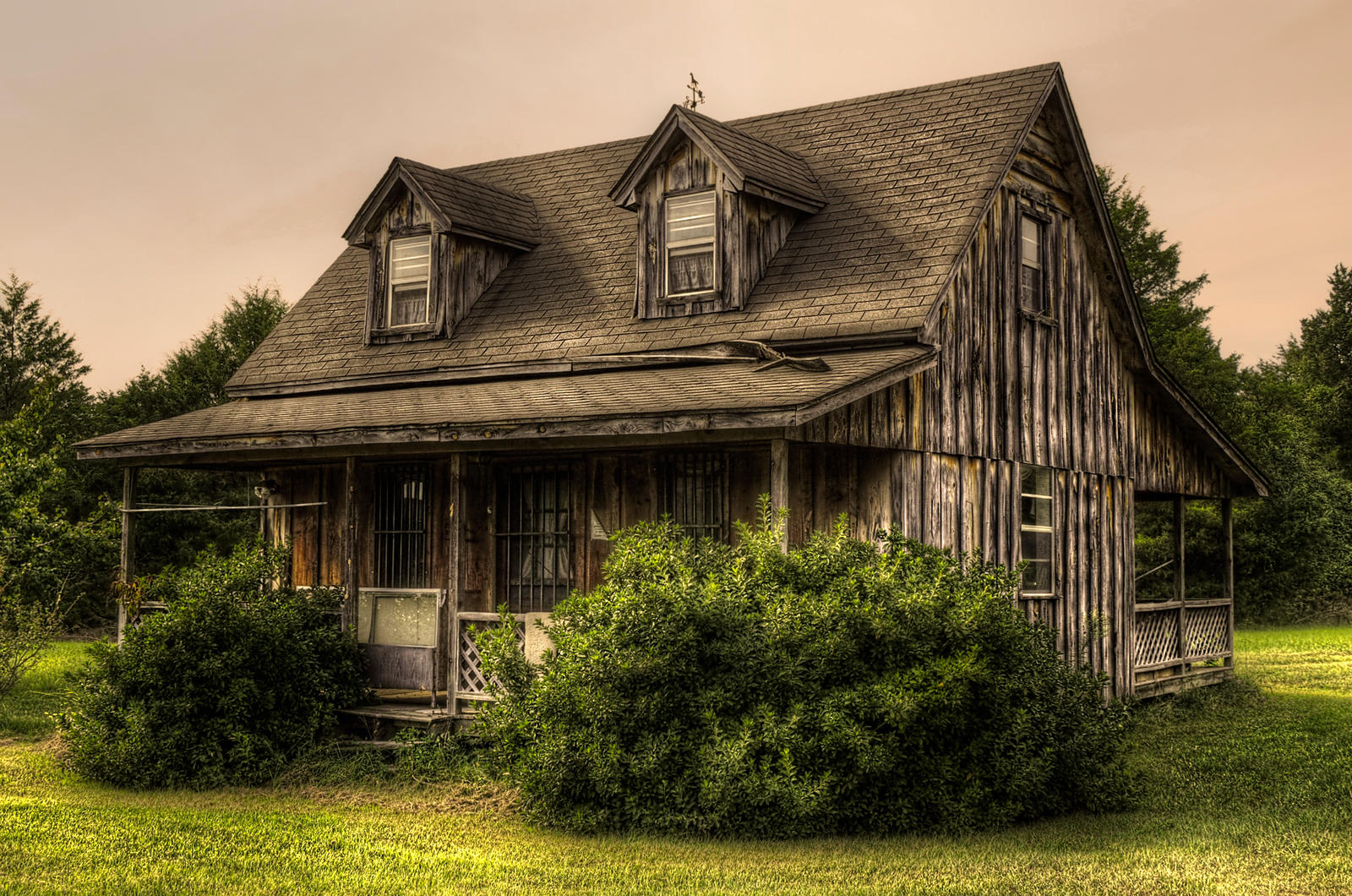 House HDR by joelht74