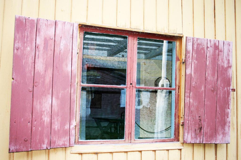 Runeberg window by Kata-Rita