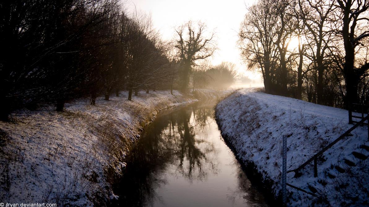 snowy_river_banks___opposite_side_by_jlryan-d4osgc5.jpg