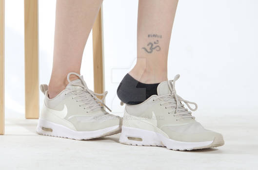 Casy's smelly socks in sneaker shoes 18