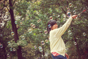 poporina plays bubbles.