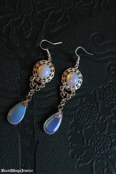 Frozen drops earrings