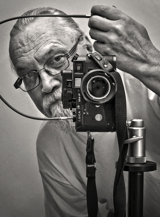 Self with my Leica by carlzon