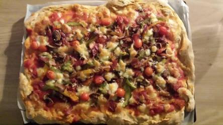 Homemade Pizza by roxan1930