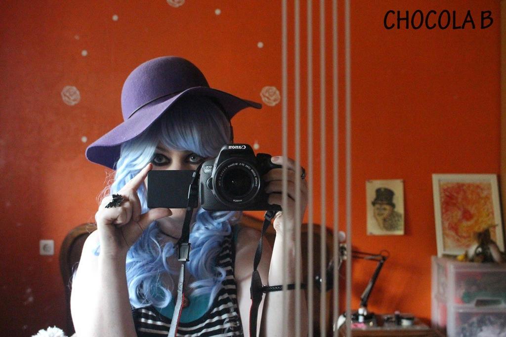 Fake reflexion by ChocolaBizarre