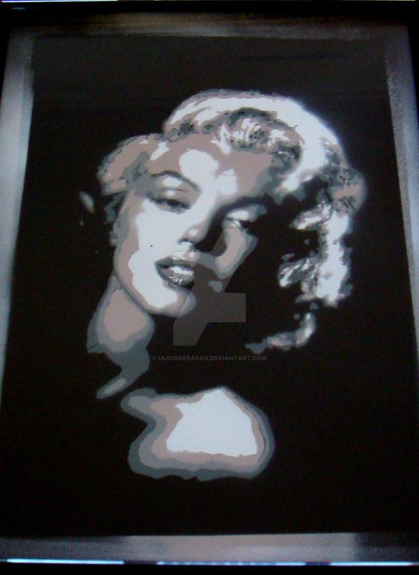 Marilyn by UlquiorraSan