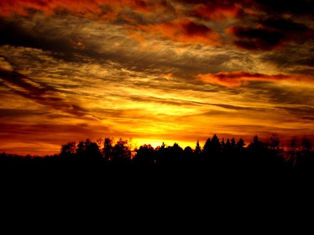sunrise by R-RROMANCE