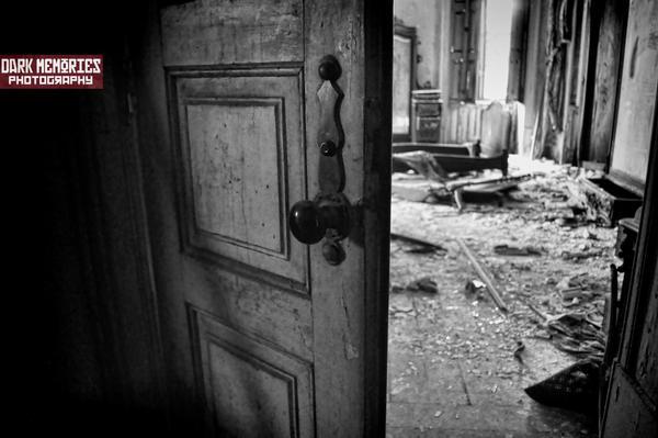 En la casa perdida by DarkMPhotography