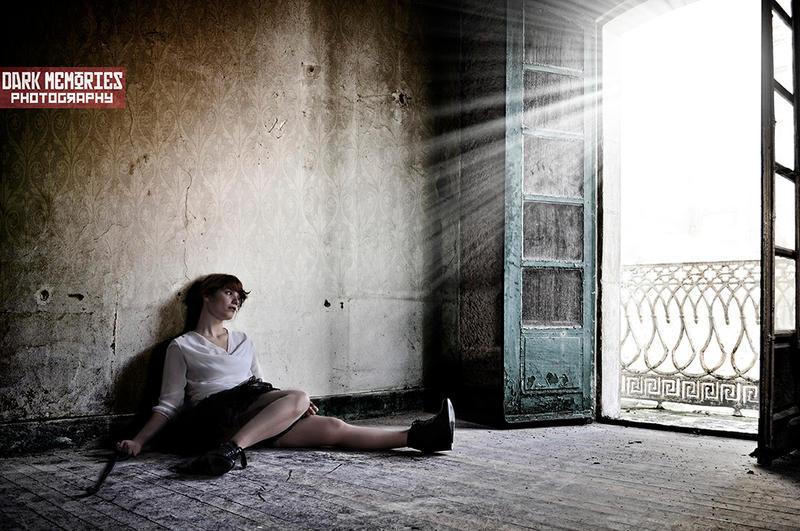 Y la luz vino a mi by DarkMPhotography