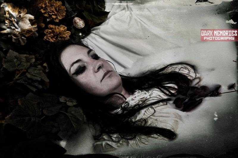 Descanso eterno by DarkMPhotography