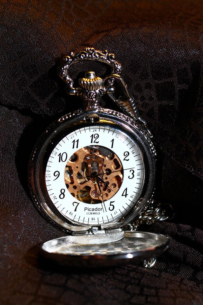 Satovi ,casovnici,vreme... Clock_by_rikugo-d3css42